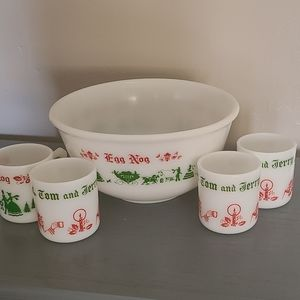 Vintage Hazel Atlas Christmas Puch Bowl Set